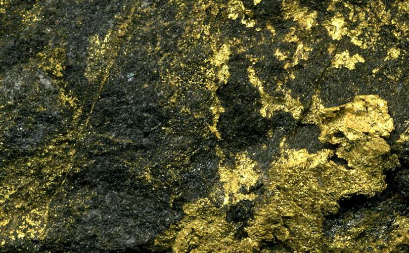 how to find gold ore